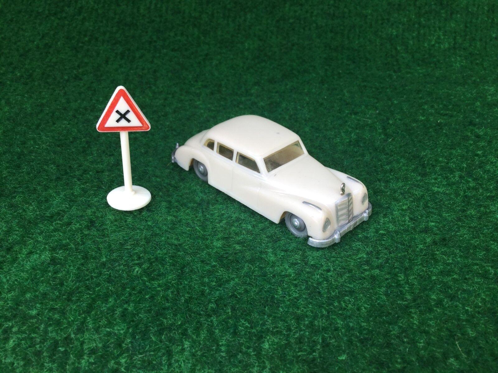 Siku Plastik V1 Mercedes 300 V Serie Weiss