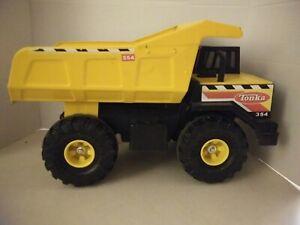 Tonka-354-Pressed-Steel-XMB-975-Dump-Truck