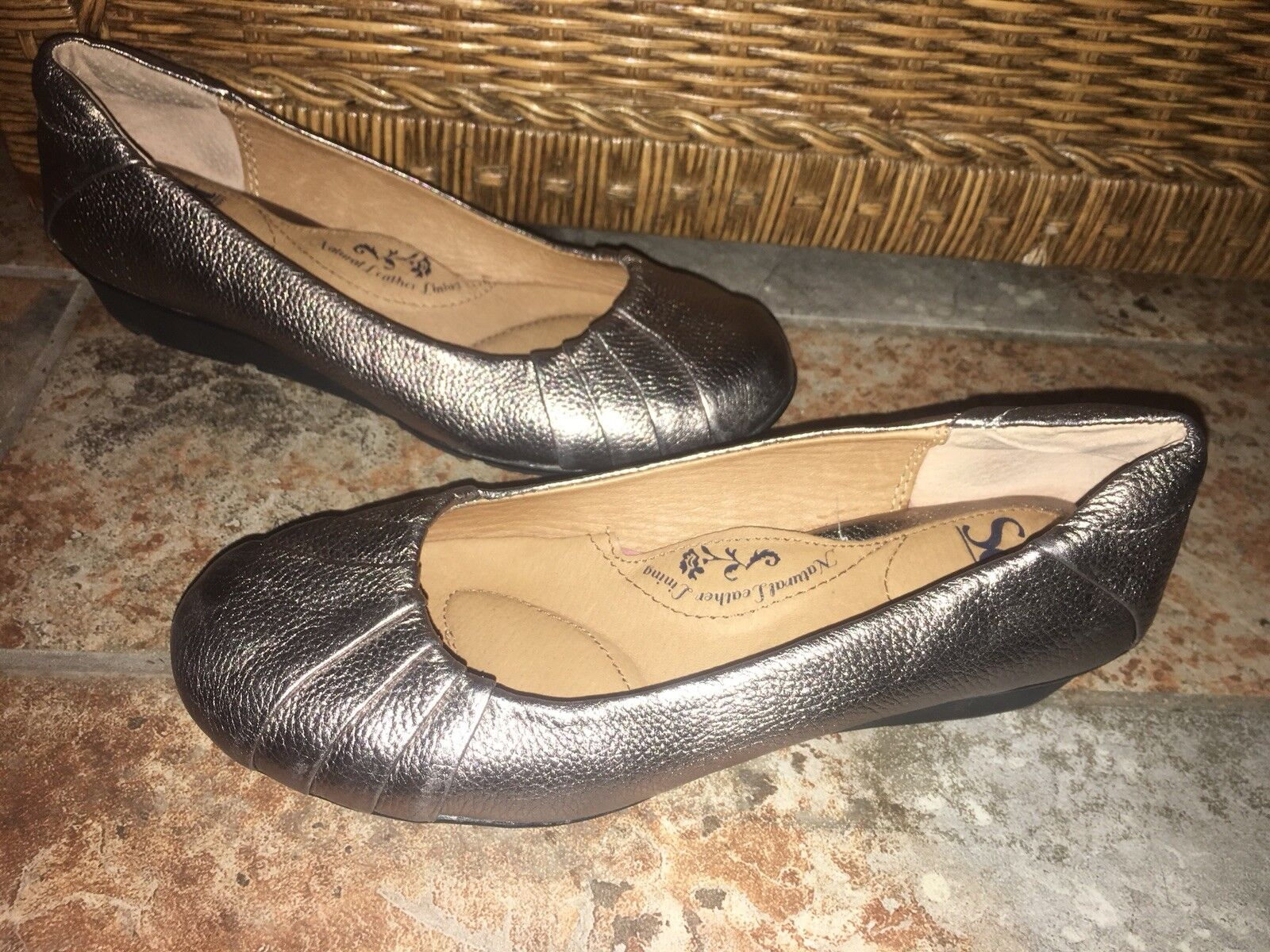 Sofft Pewter Silver Flats Metallic Leather Women's Ballet Flats Silver Shoes - Size 6 M - NEW fffe64