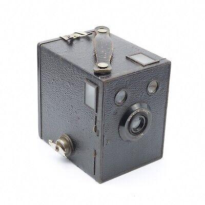 Very Good condition and tested c.1936 Kodak Six-20 Brownie Junior Box Camera
