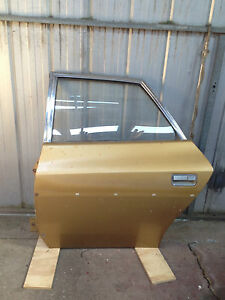 Chrysler-Valiant-VJ-door-Left-hand-Rear-incl-door-trim-card-2