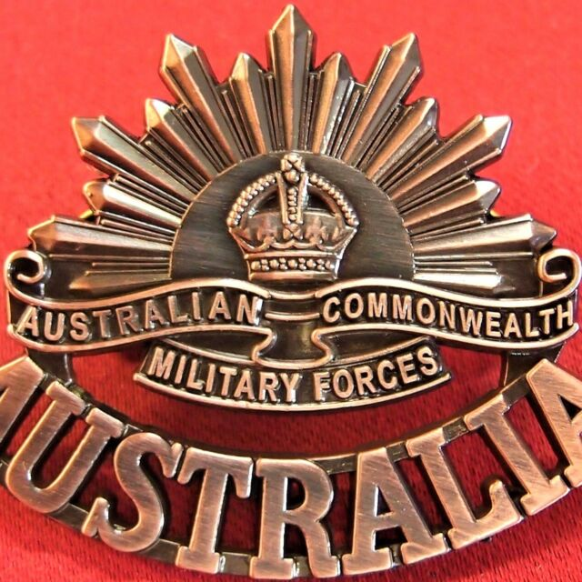 *ANZAC WW1 & WW2 RISING SUN COMMEMORATIVE UNIFORM BADGE MEDALS AUSTRALIA AIF**