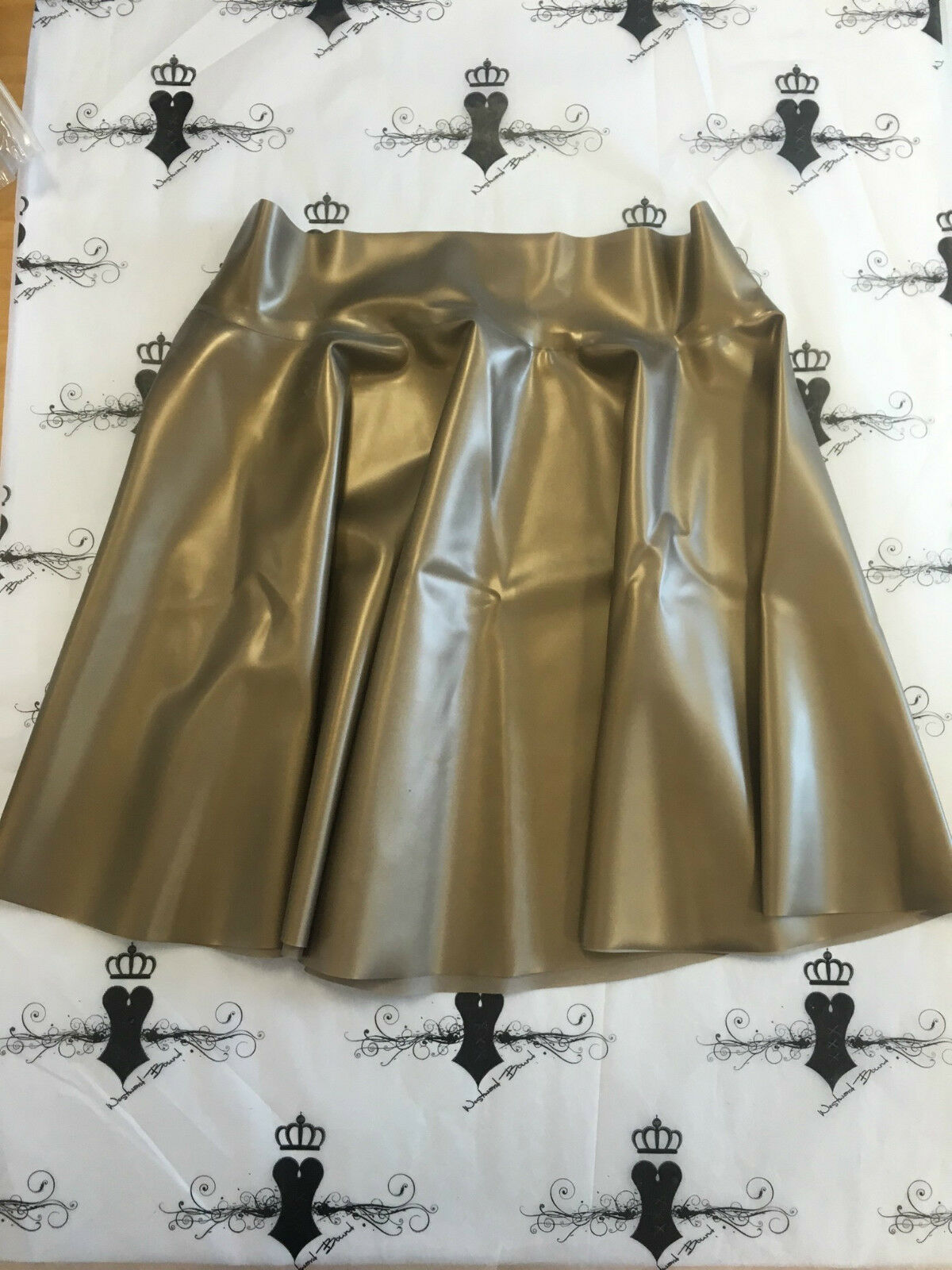 R0069 Latex PS gold Westward Bound Skating Skirt 14 UK Seconds RRP .87