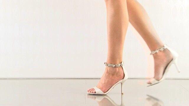 New BHLDN Badgley Mischka Clark Metallic Ivory Ankle Strap Open Toe Heels Sz 8