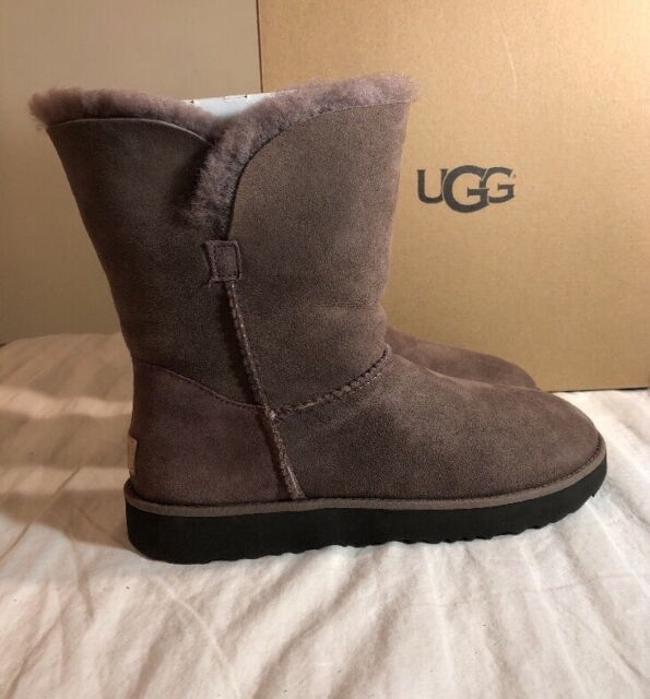 d369330a7d9 UGG Classic Cuff Short 1016418 Stormy Grey Authentic Woman's BOOTS Sz 9
