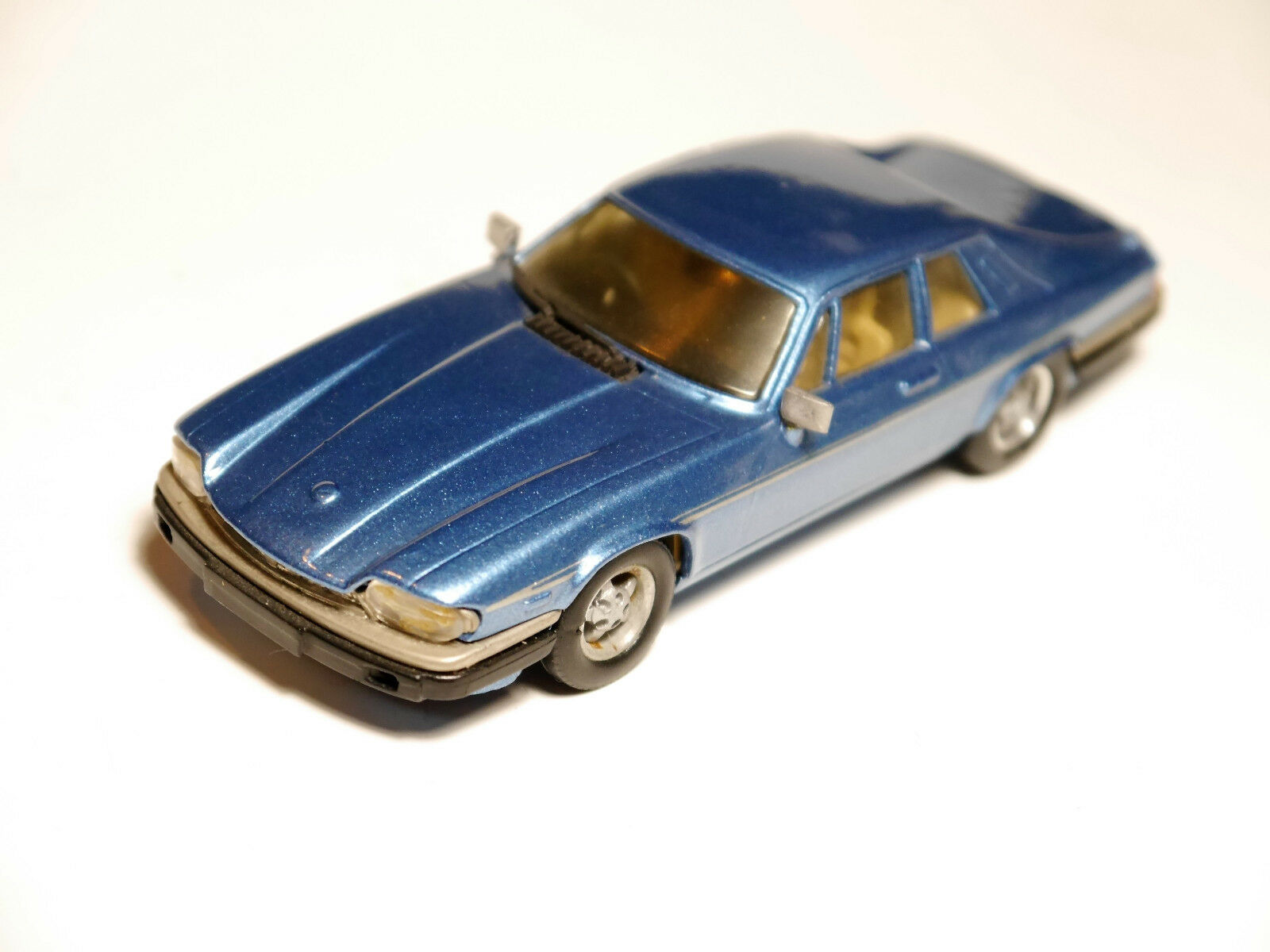 JAGUAR XJS-He  en Bleu bleu, à la main handmade WESTERN MODELS WP 103 in 1 43  point de vente