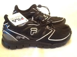 a0ed2409c290 FILA SKELE TOES AMP kids boys girls youth SIZE 4.5 running water ...