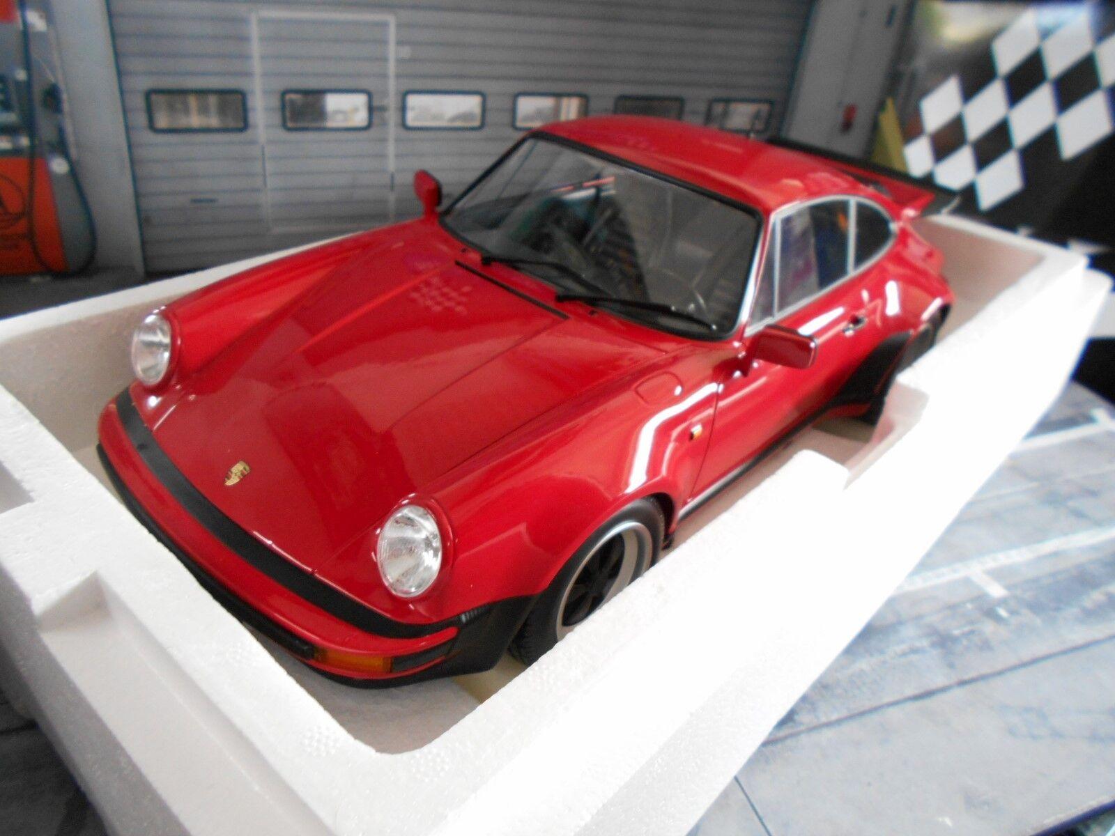 PORSCHE 911 930 TURBO COUPE Strawberry red rosso 3.0 1976 Minichamps enorme 1:12