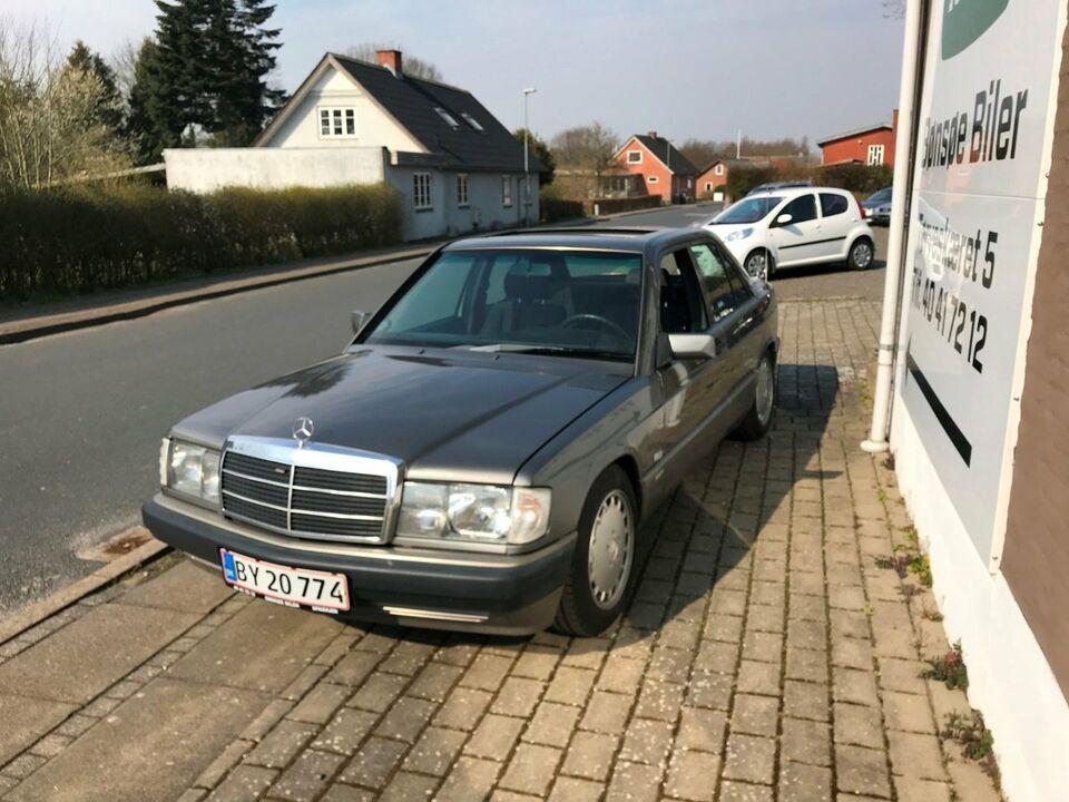 Mercedes 190 E 2,0 Benzin modelår 1990 km 381000 Brunmetal