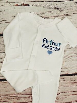 Girl Embroidery Christmas Gift Baby Boy Personalised Name Baby Grow//Sleepsuit