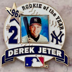 Derek-Jeter-LICENSED-Rookie-of-the-Year-Pin-New-York-Yankees-amp-Mickey-Mantle