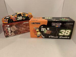 2004-Elliott-Sadler-Taurus-M-amp-Ms-Halloween-Action-1-24-Diecast-1-3048-AUTOGRAPHED