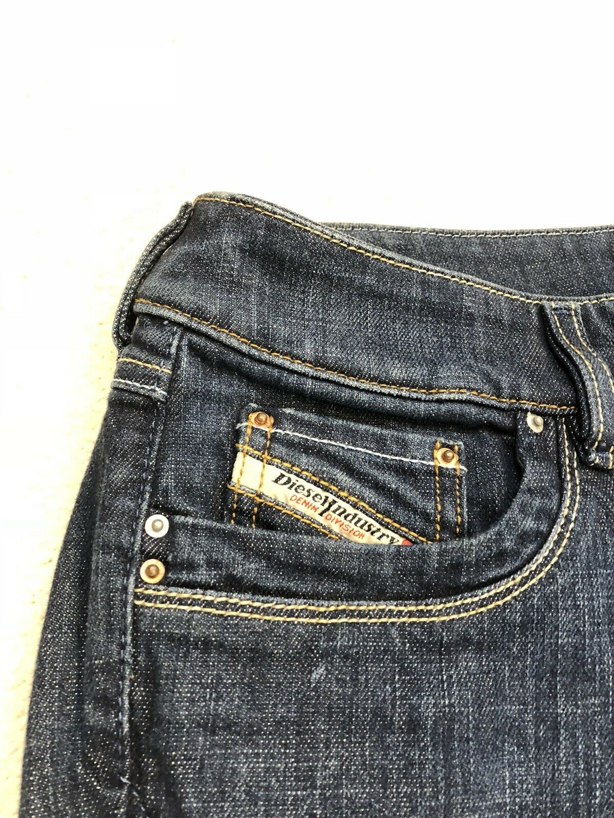 BNWOT Womens Diesel Flaired Jeans Size 30