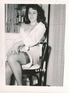 1960s Original 4 x 5 Sexy Photo Buxom Brunette Nylons