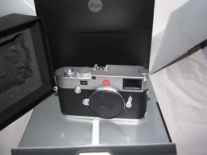 Leica-M10-Silver-Chrome-Rangefinder-Camera-20001-Leica-M