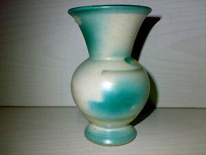 Huebsche-kleine-Art-Deco-Vase-Spritzdekor-Hersteller-unbekannt-20s-30s-LOOK