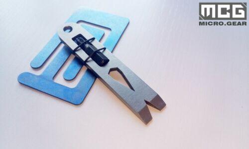 Titanium Alloy Pry Bar Crowbar Screws Wrench Pendant With Screwdriver