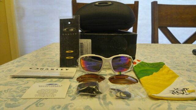 NEW Oakley White Racing Jacket Sunglasses Tour de France w  2 sets of  lenses! df40ed64f1