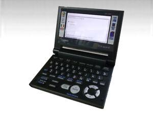 Casio-EX-word-EW-L100C-Elektronisches-Woerterbuch-Englisch-Italieni-W15-KQ9487