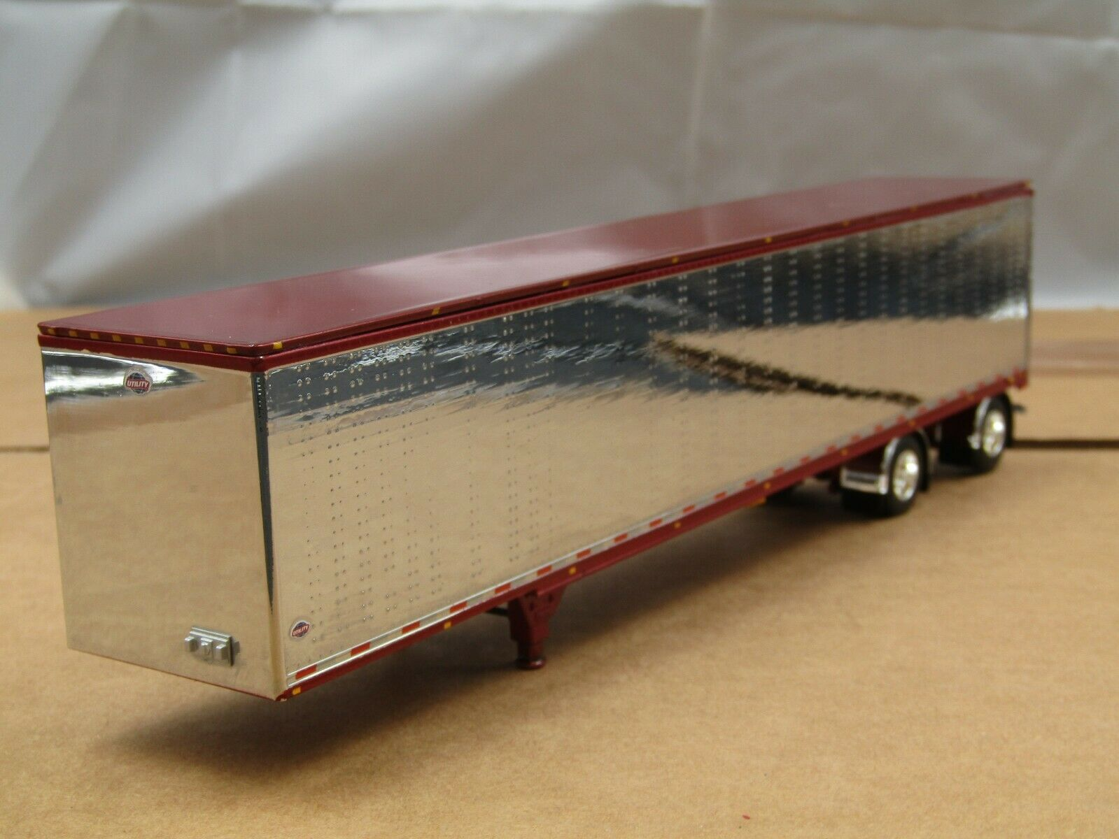 BROWN DECK WITH PURPLE FRAME DCP 1//64 SCALE TRANSCRAFT STEP DECK TRAILER TAN