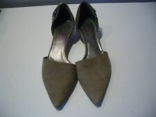 GIORGIO ARMANI  TAUPE COLOR  SUEDE POINTY TOE KITTEN  HEELS  SHOES SZ 9 M ITALY