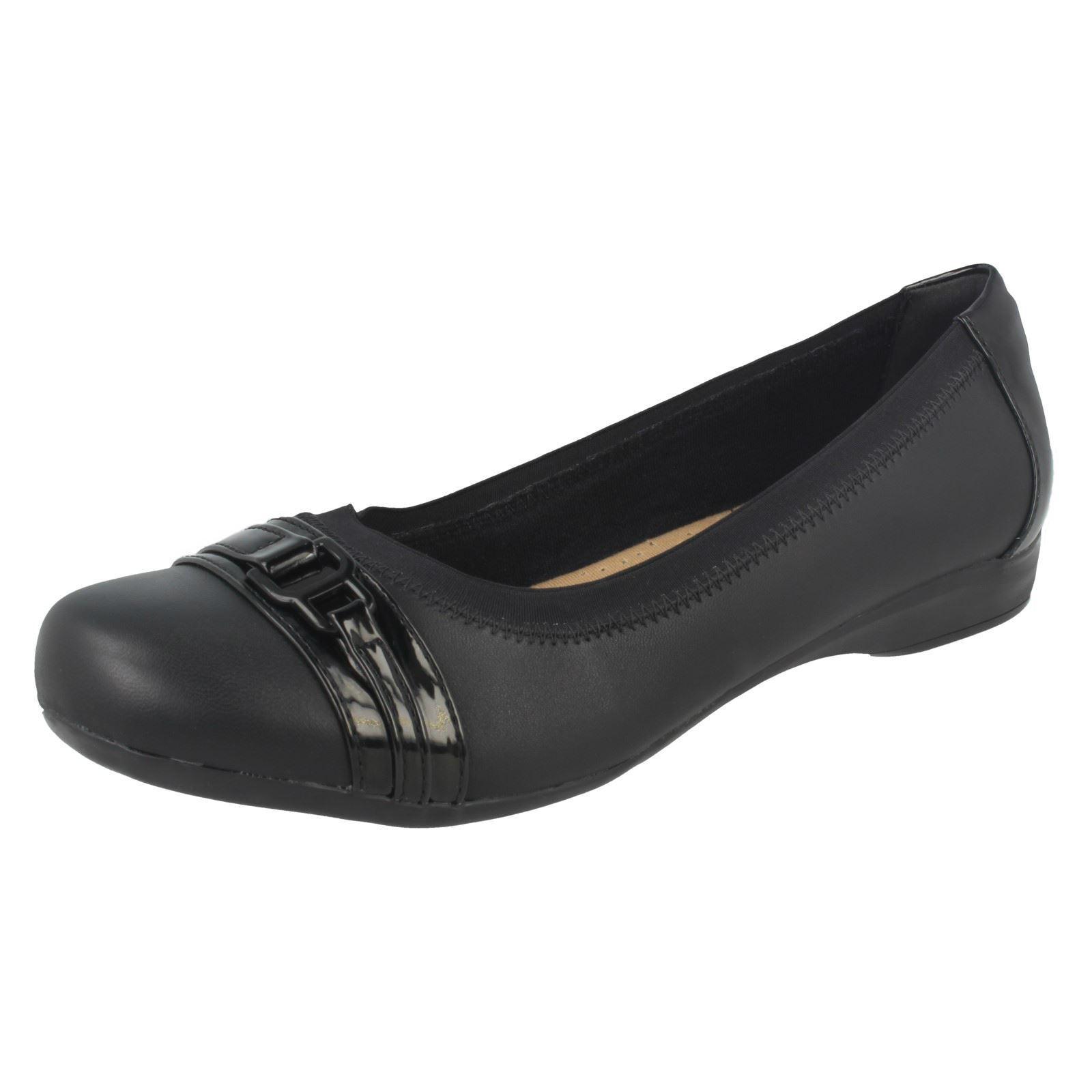 Casual salvaje Descuento por tiempo limitado Ladies Clarks Kinzie Light Black Leather Smart Slip On Shoes
