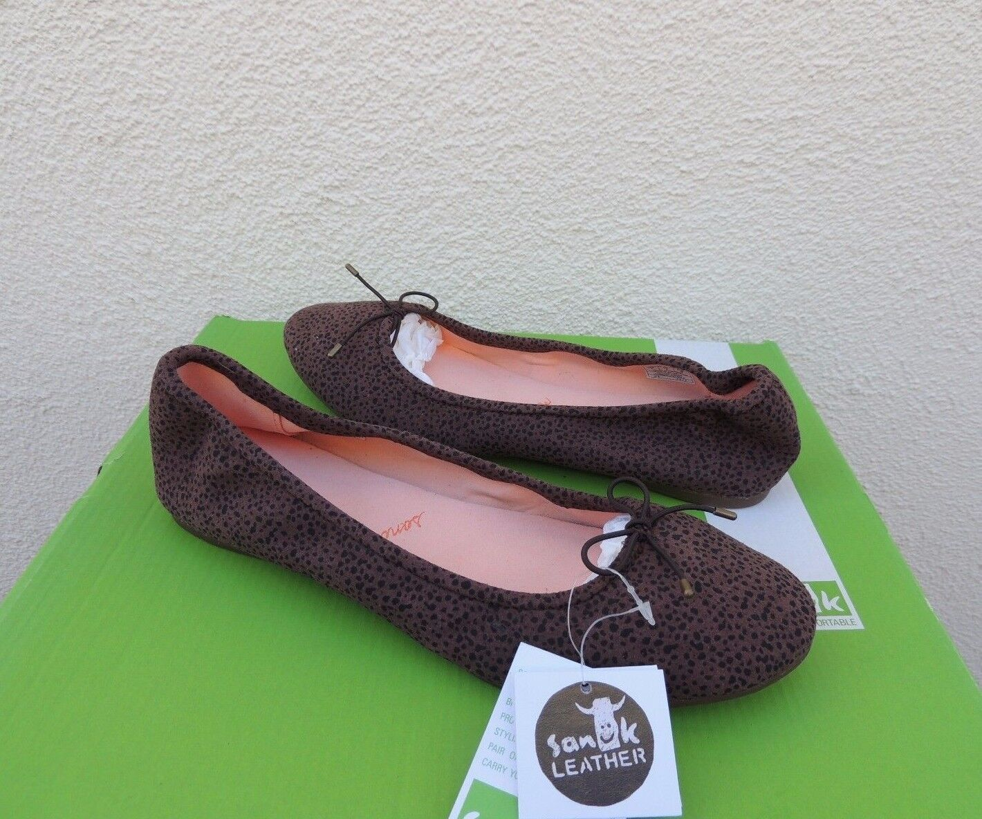SANUK YOGA PRIMA BROWN ANIMAL DOT SUEDE BALLET FLATS SHOES, US 7  EUR 38 NWT