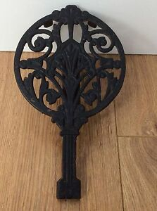 Antique-Ornate-cast-iron-trivet-for-cooker-aga-fireside-with-adjustable-base