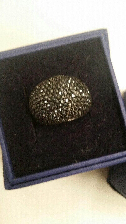 Swarovaki crystal ring size 6