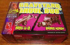 AMT Munsters TV Show Graveyard Ghoul Duo Drag-U-La, Koach Car Model Kit 1/25