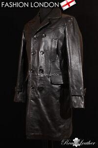Veste en cuir sous manteau