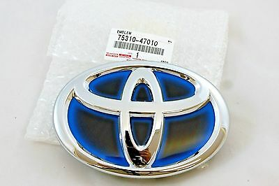 ONE NEW OEM FRONT RADIATOR GRILLE EMBLEM BADGE FOR CAMRY PRIUS 75310-47010