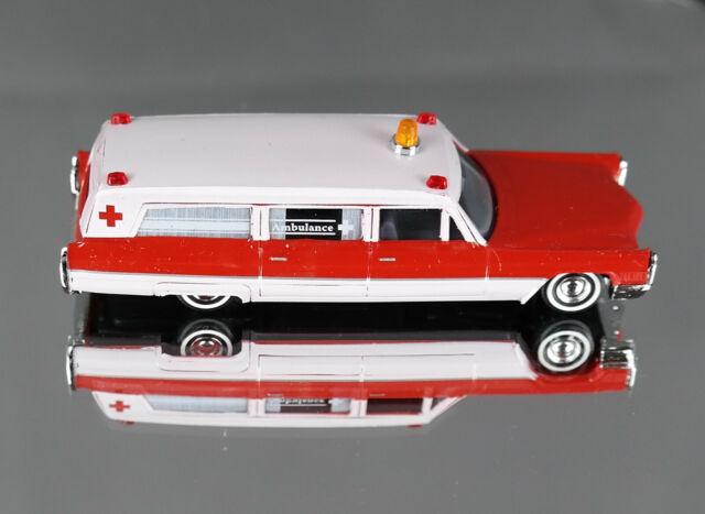 Busch 42914 (H0, 1:87) - American Station Wagon Ambulance - New