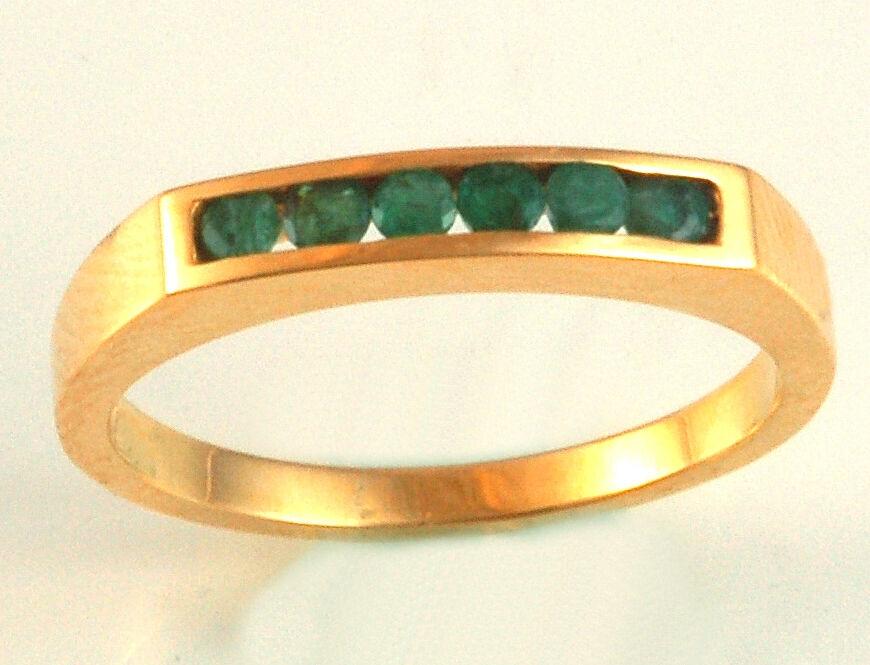 18k Emerald Ring   Six Emeralds