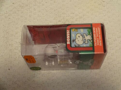 Forever Fun Peanuts Snoopy /& Woodstock Holiday Figures with Flying Aces Cards