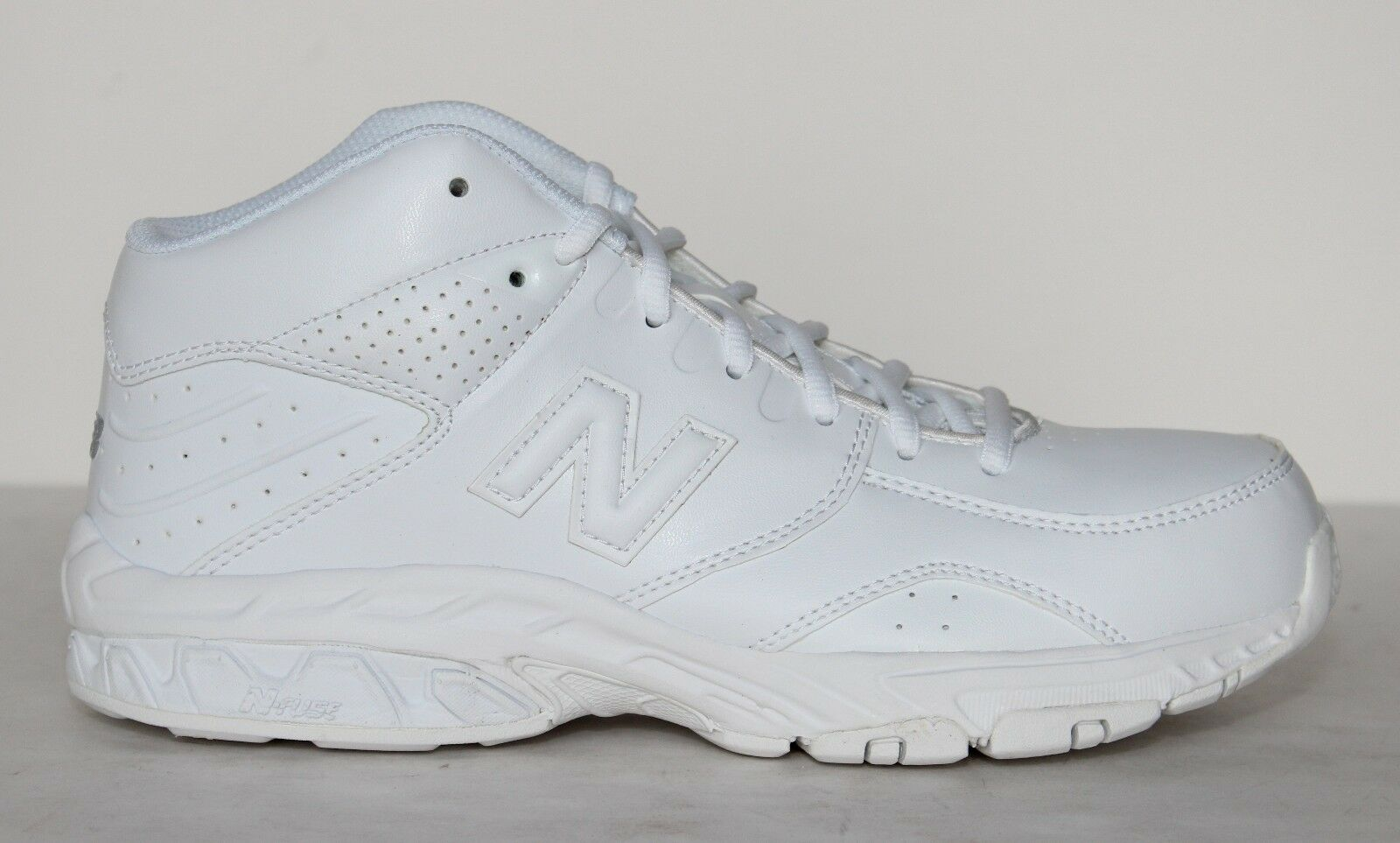 NEW BALANCE BB581WT Wht Mens Basketball shoes 4E Width - NWD