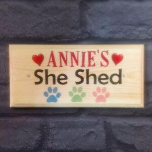 Signo Personalizado ella cobertizo, sala de Arte de Jardín Placa las madres Jardín huellas perro