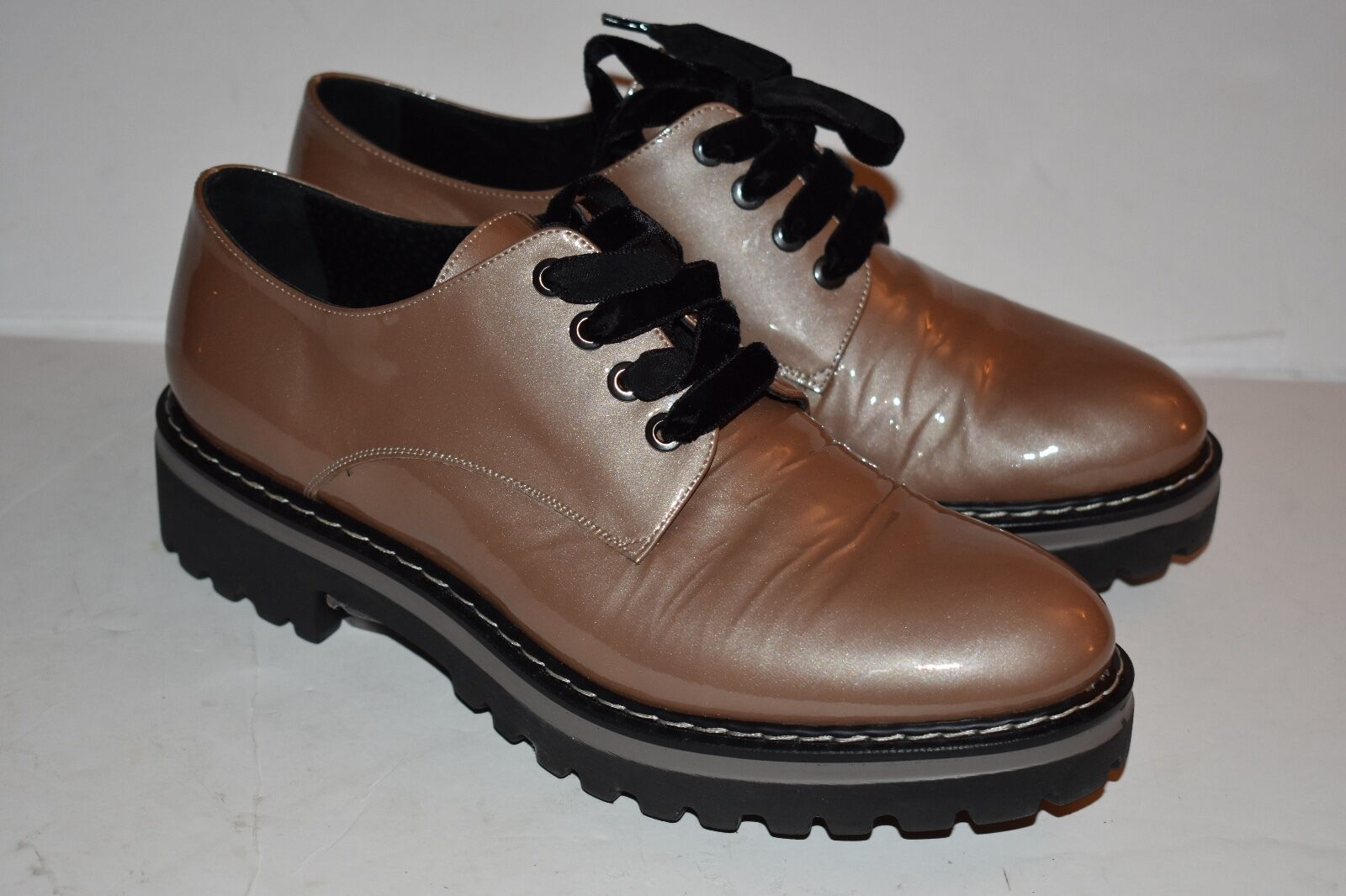 MOMENTI Lace Up OXFORD SHOES Patent Leather Size 38 velvet shoelaces
