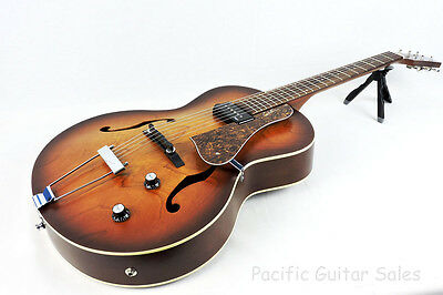 Godin 5th Avenue Kingpin P90 With TRIC Case Brand New With Lifetime Warranty!