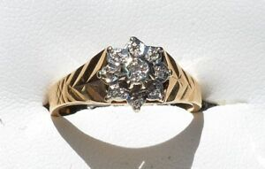 18ct-Yellow-Gold-amp-Diamond-Designer-Ring-as-new