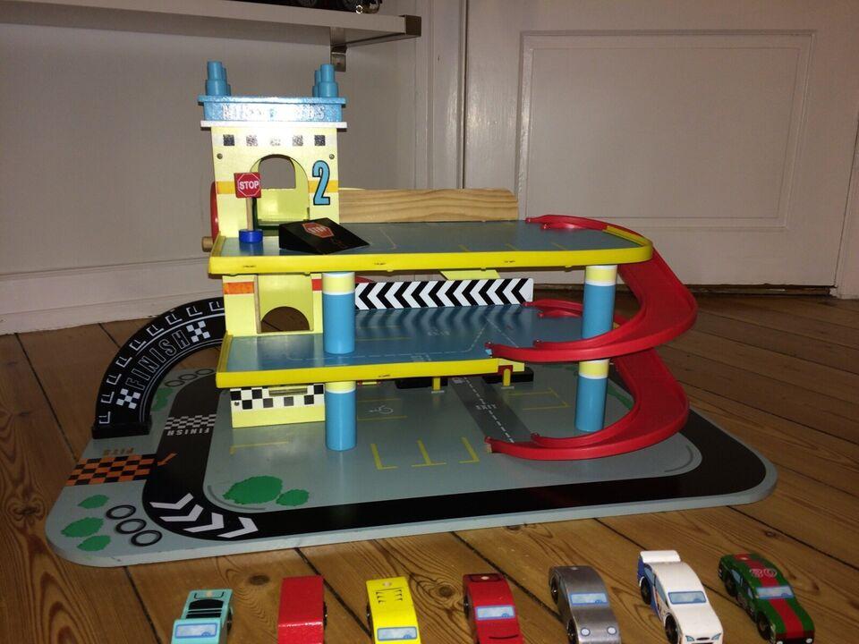 Parkeringshus / garage, Le toy Van - Mikes Garage