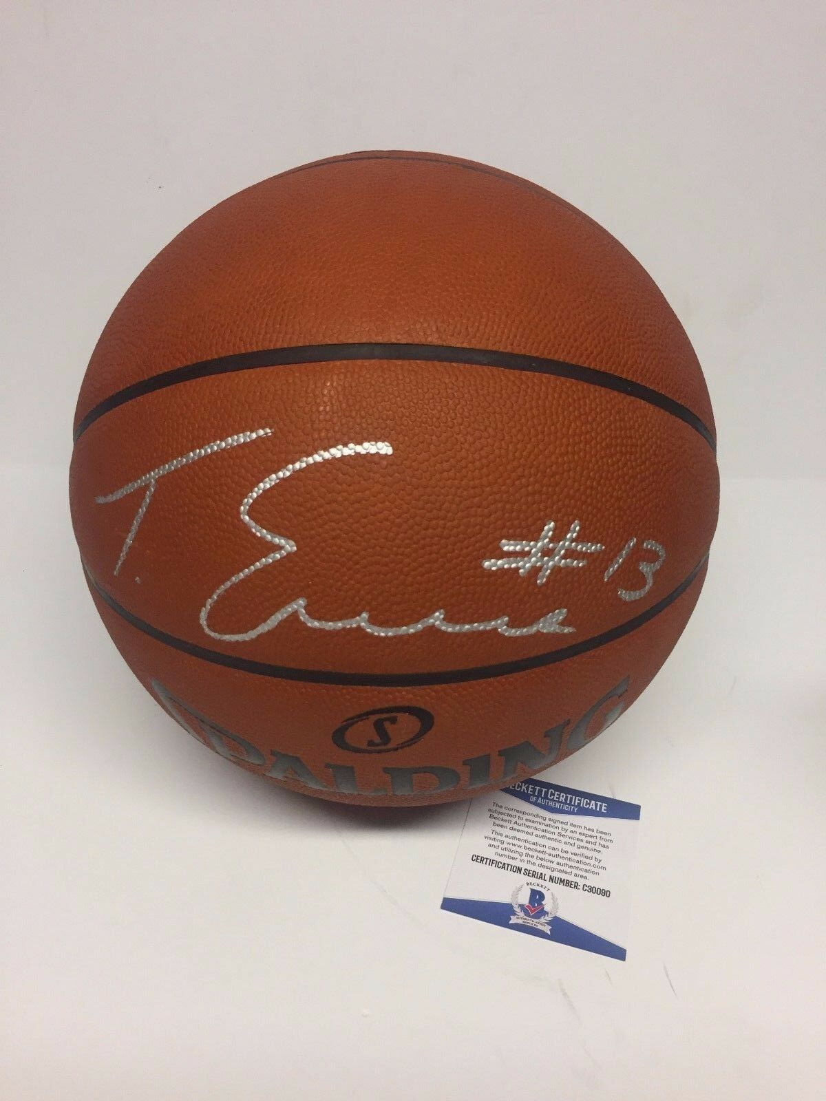 Tyreke Evans Signed Authentic Official Game Basketball *Kings *Grizzlies Beckett