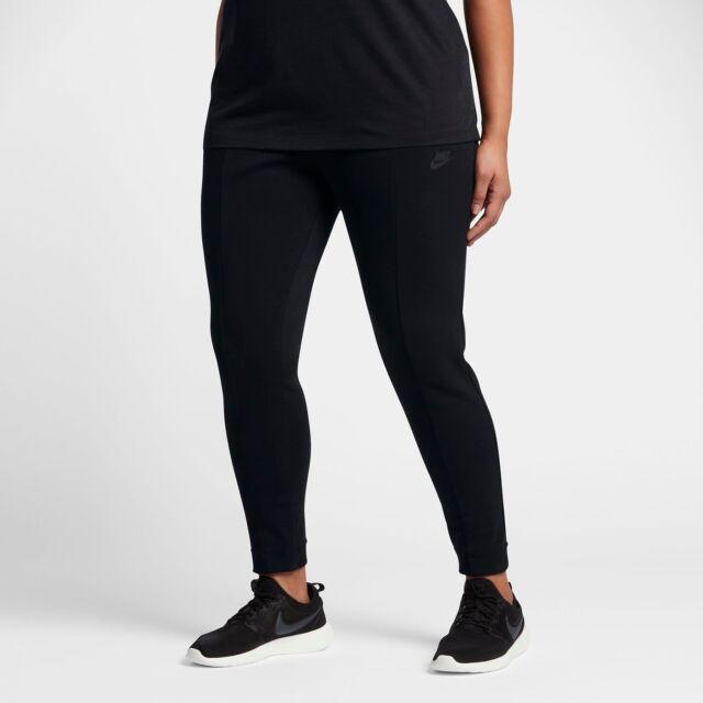 Nike Sportswear Tech Fleece Pants Plus