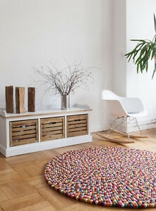 myfelt lotte 90 cm design teppich 100 wolle filzkugelteppich kinderteppich bunt ebay. Black Bedroom Furniture Sets. Home Design Ideas