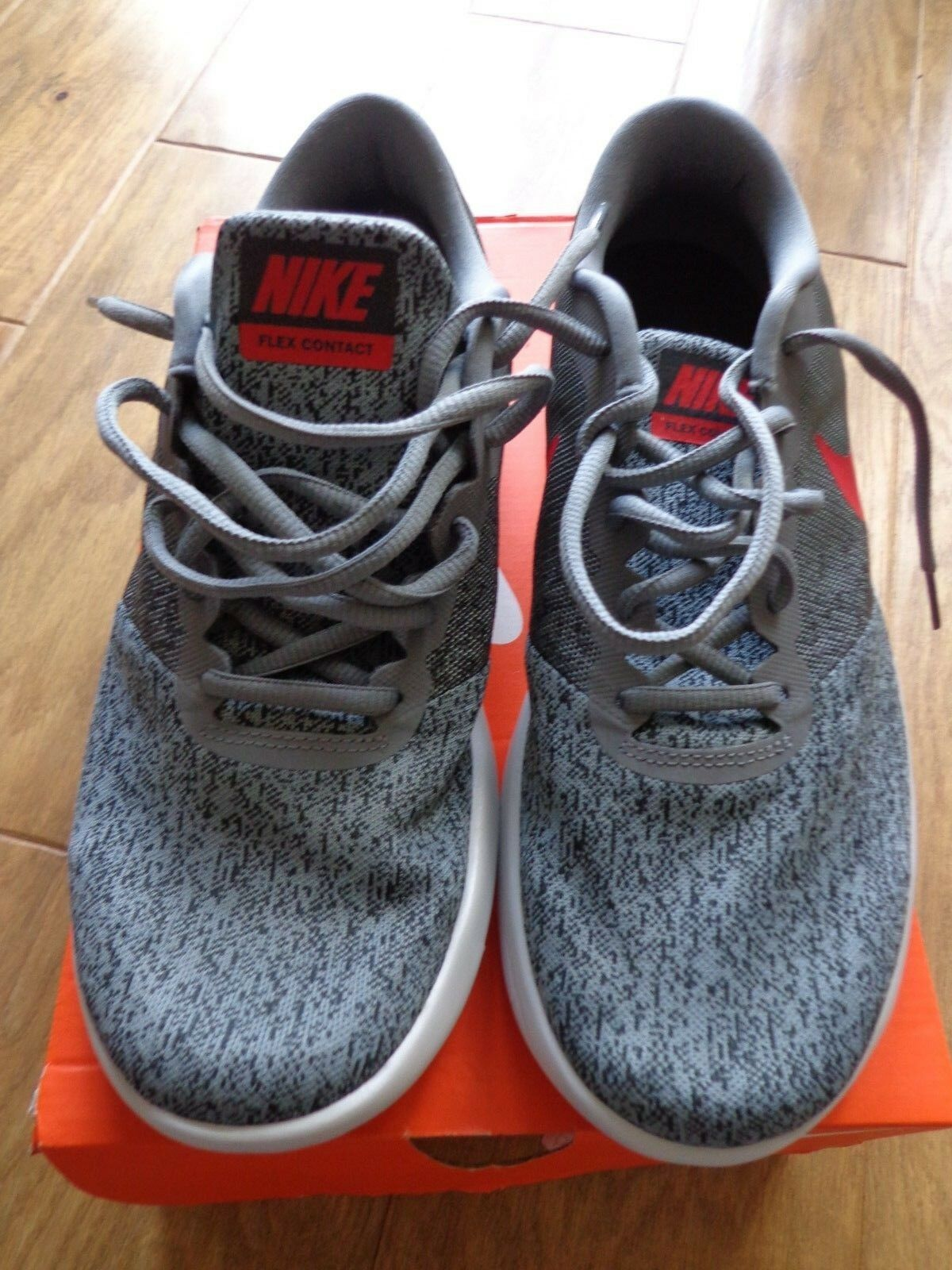 NIKE MENS FLEX CONTACT GREY RED RUNNING SHOES sz 9.5  NEW  free and fast delivery available