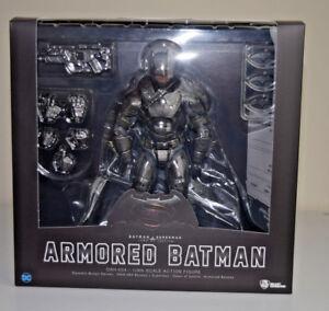 Armored-Batman-Dynamic-8ction-Heroes-BvS-Dawn-of-Justice-Beast-Kingdom-DAH-004