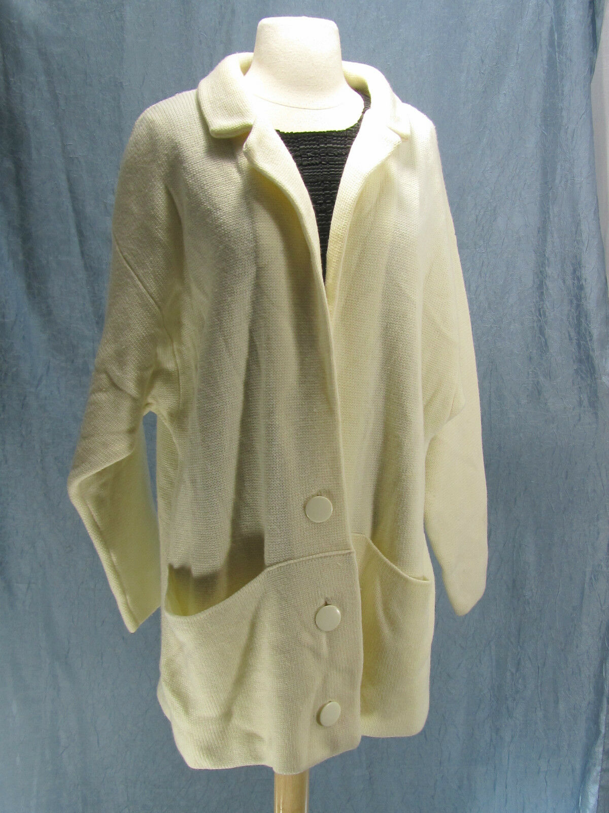 VINTAGE Ivory Cream long button up cardigan knit top sweater coat Duster 40 M L
