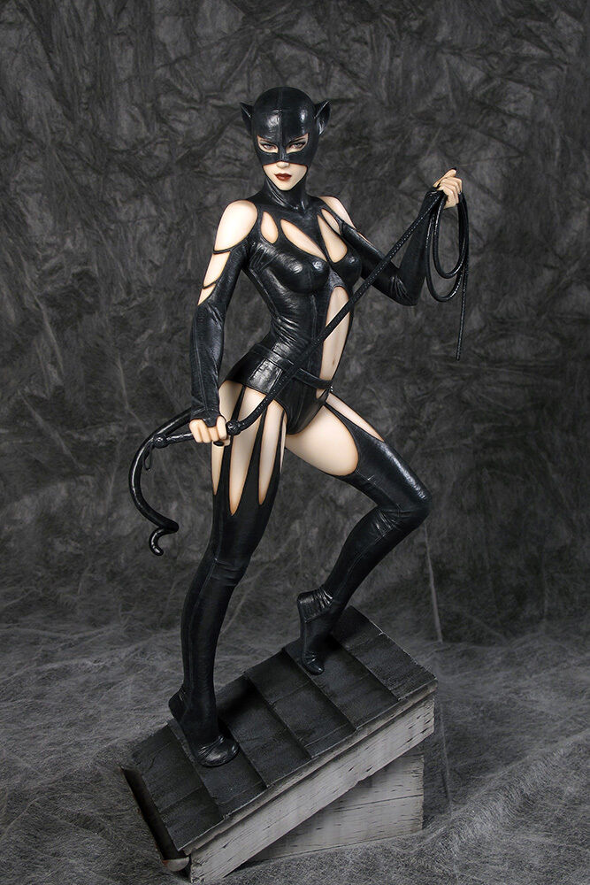 Fantasy Figure Gallery Catwoman by Luis Royo DC Comics 1/6 Scale Resin Statue