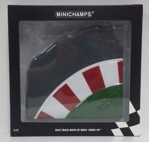 MINICHAMPS-VALENTINO-ROSSI-1-12-BASE-PISTA-RACE-TRACK-MOTOGP-BIKES-CURVE-90-NEW