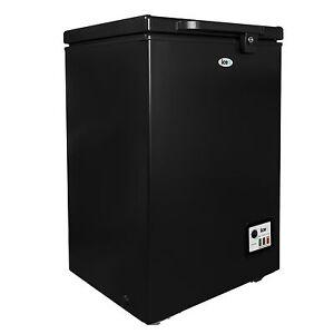 iceq 100l free standing large lockable chest freezer black. Black Bedroom Furniture Sets. Home Design Ideas